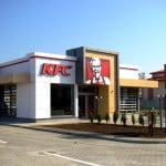 KFC a investit 700.000 euro într-un restaurant de tip Drive Thru