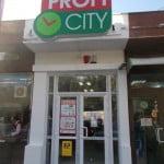 Profi deschide astăzi două noi magazine