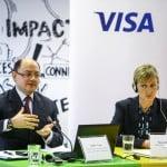 Cheltuielile pe cardurile Visa emise în România au ajuns la 21 miliarde euro, în 2014