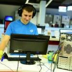 Intel: În România peste 3 milioane de PC-uri sunt mai vechi de 4-5 ani