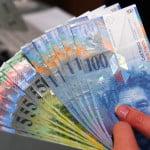 Piraeus Bank România a lansat o ofertă de conversie a creditelor luate în franci elveţieni