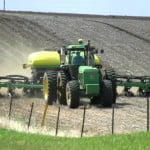 Ce trebuie să facă fermierii afectaţi de secetă pentru a beneficia de ajutorul de stat?
