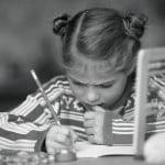 Magazinele au vândut instrumente de scris de 17 milioane lei, prin campaniile Back to School