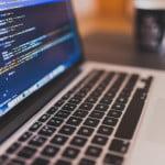 Programarea, una dintre cele mai cerute abilităţi la angajare