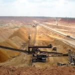 66% dintre români cer interzicerea cianurii în minerit
