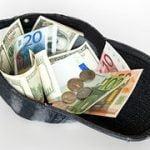 Legea venitului minim de incluziune a fost promulgată, vineri, de președintele României