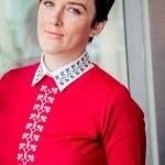 Brandul ALISIA ENCO a lansat colecția de pulovere brodate cu motive tradiționale românești