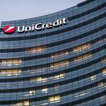UniCredit semnează două parteneriate strategice de bancassurance